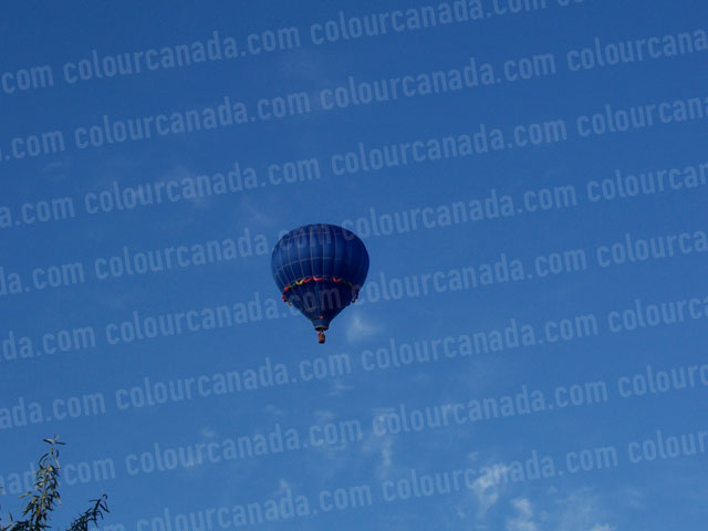 Hot Air Balloon (blue) | Cheap Stock Photo