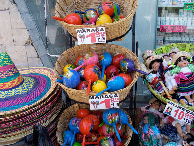 Colourful Mexican Market with Maracas | Cheap Stock Photo